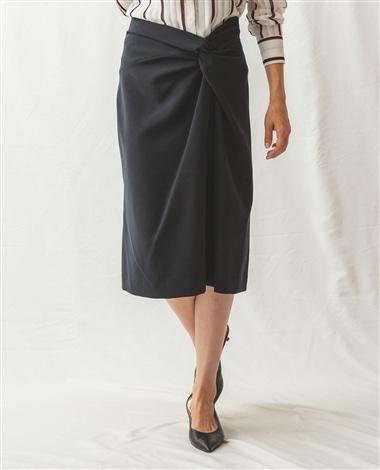 ねじりディテールタイトスカート
