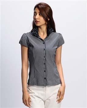 サッカー調ストライプレース衿カットソーシャツ